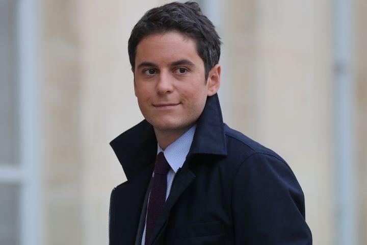 Gabriel Attal, secrétaire d'Etat auprès du Ministre de l'Education nationale et de la Jeunesse arrive à l'Elysée le 15 janvier 2020. (LUDOVIC MARIN / AFP)