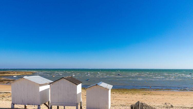 Sur une plage de l'île de Noirmoutier, en Vendée, le 25 juin 2021.  (BERTRAND BODIN / ONLY FRANCE / AFP)