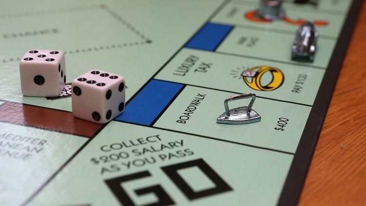 Un plateau de Monopoly, du fabriquant Hasbro, le 6 février 2013 à Fairfax (Etats-Unis). (JUSTIN SULLIVAN / AFP)