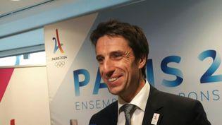 Tony Estanguet, au siège du comité national olympique et sportif pour le lancement du COJO, le comité d'organisation des Jeux olympiques de Paris 2024, le 18 janvier 2018. (RÉMI BRANCATO / FRANCE-BLEU 107.1)