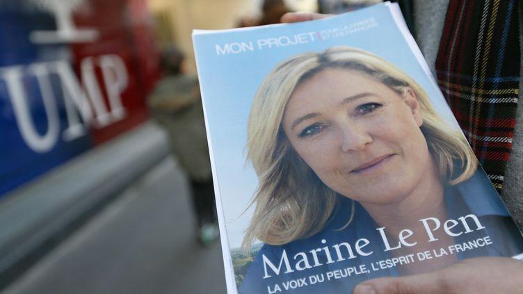 Environ un Français sur trois est favorable à un accord national ou local entre l'UMP et le Front national, selon un sondage Ipsos publié jeudi 10 octobre 2013. (KENZO TRIBOUILLARD / AFP)