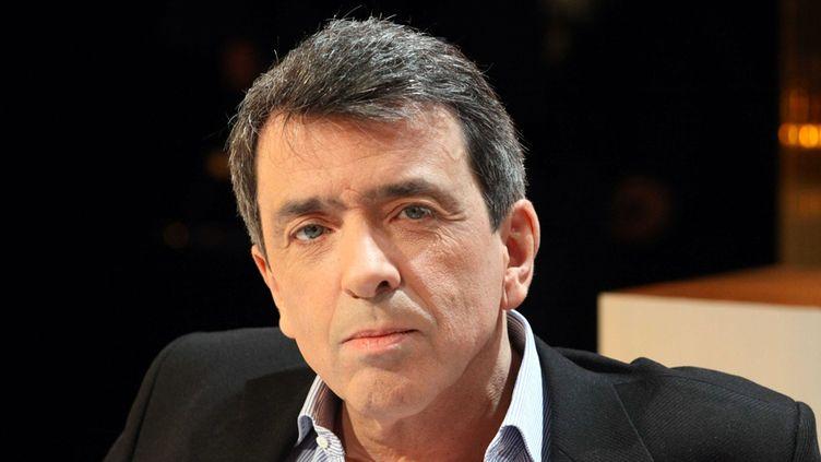 """Régis Jauffret dans l'émission """"Au Field de la nuit"""" (TF1) en février 2012  (PMG / Sipa)"""