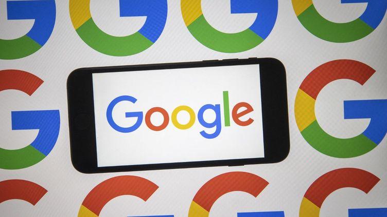 Google a abandonnéson projet d'appliPlex,qui était en développement depuis deux ans avec la collaboration de la banque américaineCitigroup. (ALI BALIKCI / ANADOLU AGENCY / AFP)