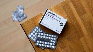 Une boîte du médicamentcontre l'hypothyroïdie Levothyrox, fabriqué par le laboratoire Merck. (MATHIEU THOMASSET / HANS LUCAS)