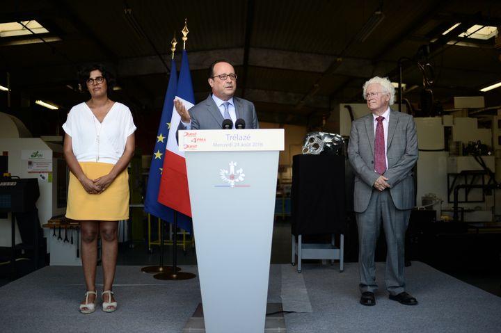 Le député du Maine-et-Loire, Marc Goua, aux côtés de François Hollande et de la ministre du Travail, Myriam El Khomri, le 24 août 2016 à Trélazé. (STEPHANE DE SAKUTIN / AFP)