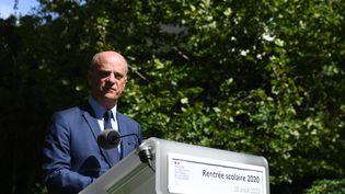 Jean-Michel Blanquer lors de sa conférence de pressede rentrée, le 26 août 2020 au ministère de l'Education nationale. (ALAIN JOCARD / AFP)