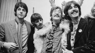 The Beatles en 1967 : (de gauche à droite) Paul McCartney, Ringo, Starr, John Lennon et George Harrison.  (John Downing / Hutton Archives / Getty Images)