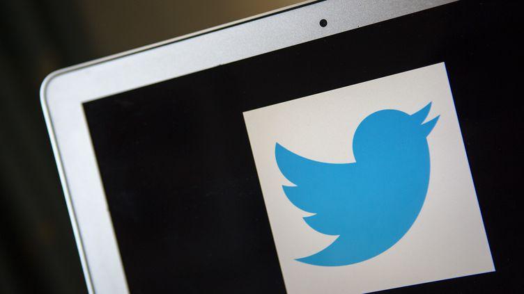 Le logo de Twitter, en 2013. (ERIC THAYER / REUTERS)