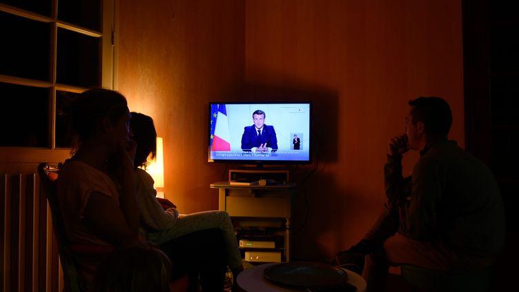 L'allocution d'Emmanuel Macron annonçant le confinement le 28 octobre 2020. (FRANCK DUBRAY / MAXPPP)