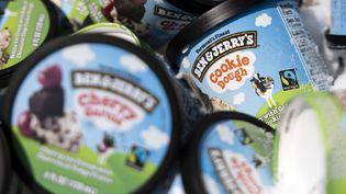 Des pots de glaceBen & Jerry's, en mai 2020 aux Etats-Unis. (KEVIN DIETSCH / GETTY IMAGES NORTH AMERICA / AFP)