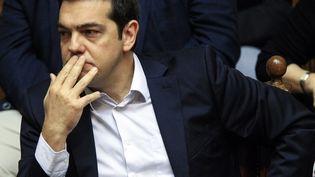 Le Premier ministre grec Alexandre Tsipras lors d'une session extraordinaire au Parlement grec, à Athènes, le 27 juin 2015. (DIMITRI MESSINIS / AFP)
