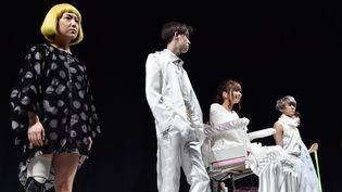 Des handicapés au défilé Takafumi Tsuruta ah 2015-16, à Tokyo (mars 2015)  (TORU YAMANAKA / AFP)