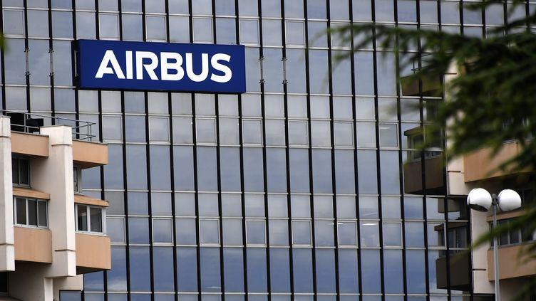 Le siège de la compagnie Airbus à Toulouse (Haute-Garonne) le 2 juillet 2020. (GEORGES GOBET / AFP)