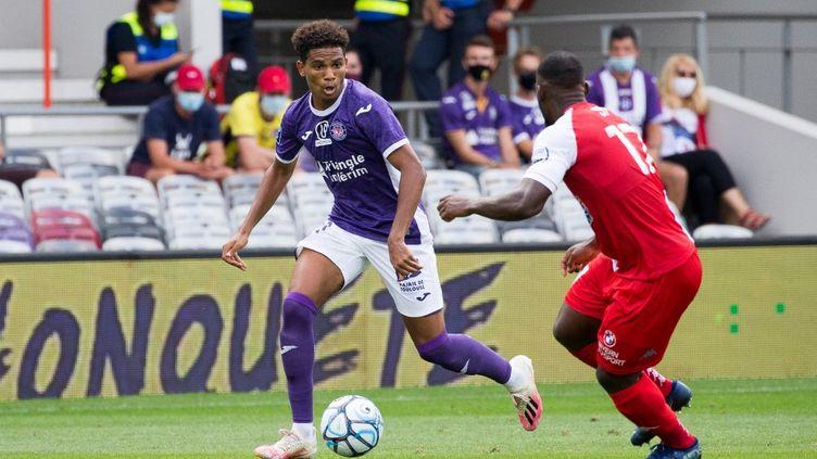 Le Toulousain Amine Adli a été élu meilleur joueur de la saison en Ligue 2. (FREDERIC SCHEIBER / HANS LUCAS)