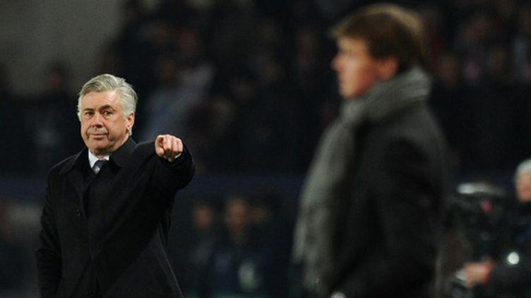 Carlo Ancelotti (PSG) donne ses consignes (LLUIS GENE / AFP)