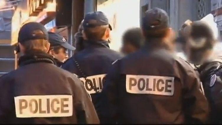 """Manuel Valls, le ministre de l'Intérieur,souhaite bannir """"toute forme de familiarité et de tutoiement qui dégradent la relation entre les forces de l'ordre et les citoyens"""". (FRANCE 2 / FTVI)"""