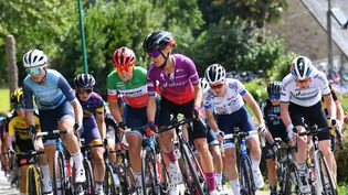 Le peloton féminin prendra le départ du Tour de France le 24 juillet 2022. (NICOLAS CREACH / MAXPPP)