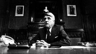 (Robert Boulin, photo d'archives, dans son bureau de la mairie de Libourne © MaxPPP)