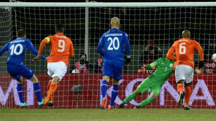 Gylfi Thor Sigurdsson buteur contre les Pays-Bas.  (HALLDOR KOLBEINS / AFP)