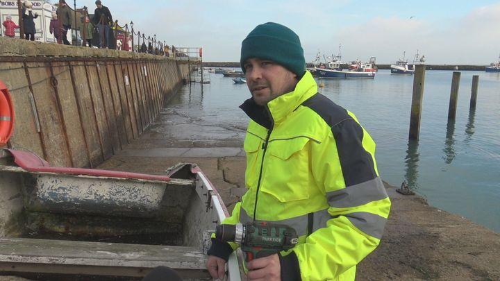 Dan, pêcheur à Folkestone craint la concurrence des navires-usines venus du continent. (GILLES GALLINARO / RADIO FRANCE)