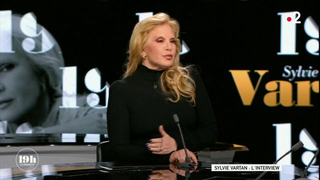 """VIDEO. Sylvie Vartan a """"du mal à croire"""" que Johnny Hallyday ait pu """"renier son sang en déshéritant ses enfants"""""""