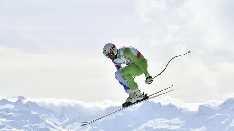A 26 ans, le Slovène Bostjan Kline plane. Il vient de décrocher sa première victoire en Coupe du Monde lors de la descente de Kvitfjell (Norvège).  (FABRICE COFFRINI / AFP)