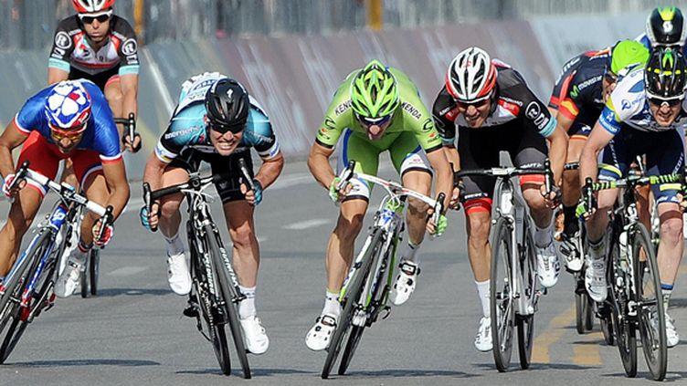 Mark Cavendish au sprint (LUCA ZENNARO / MAXPPP)