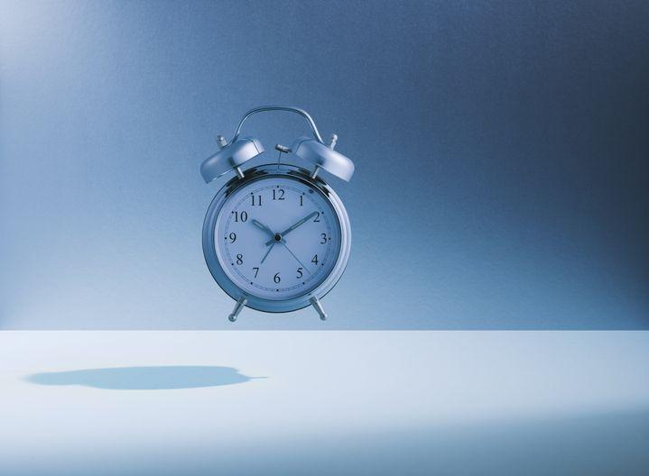 Conseil n°1 en cas de neige : avancez votre réveil pour éviter les retards. (GETTY IMAGES)