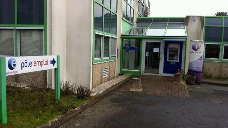 L'agence Pôle emploi de Nantes (Loire-Atlantique) devant laquelleun homme est mort en s'immolant par le feu, le 13 février 2013. (OLIVIER QUENTIN / FRANCE 3)