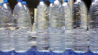 Des bouteilles plastique (image d'illustration). (DENIS CHARLET / AFP)