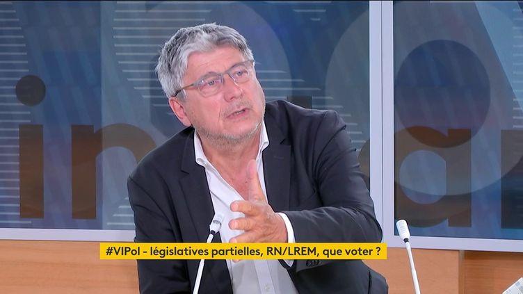 """Le député LFI Éric Coquerel était l'invité de """"Votre instant politique"""" sur la chaîne franceinfo, lundi. (FRANCEINFO)"""