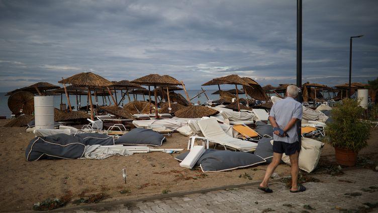Une plage près du village deNea Plagia, dans le nord de la Grèce, le 11 juillet 2019. (ALKIS KONSTANTINIDIS / REUTERS)