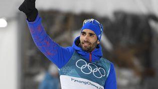 Martin Fourcade après avoir remporté la mass start (15 km) de biathlon, à Pyeongchang (Corée du Sud), le 18 février 2018. (JULIEN CROSNIER / DPPI MEDIA / AFP)