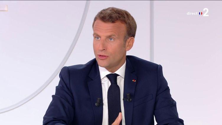 Emmanuel Macron, lors de son interview organisée le 14 juillet 2020 à l'Elysée. (FRANCE 2 / FRANCE TELEVISIONS)