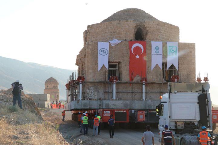 Déplacement d'un monument de Hasankeyf, 2018  (Selman Tur / ANADOLU AGENCY)