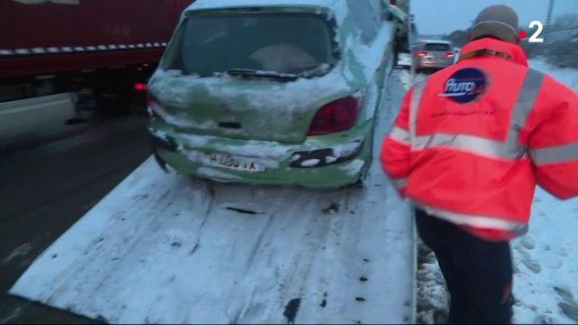 Intempéries : la journée d'un dépanneur breton après les chutes de neige