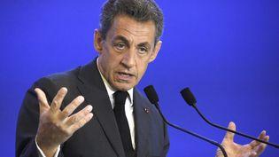 Nicolas Sarkozy fait un discours de bienvenue devant les nouveaux adhérents du parti Les Républicains, le 9 janvier 2016 à Paris. (DOMINIQUE FAGET / AFP)