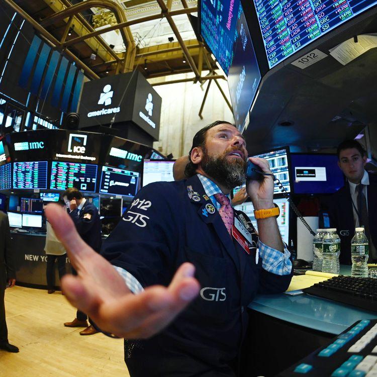 Un courtier à la bourse de Wall Street à New York (Etats-Unis), le 15 août 2019. (JOHANNES EISELE / AFP)