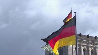 En raison de sa politique budgétaire, l'Allemagne a désormais de nombreuses infrastructures délabrées, notamment dans lesTransportset l'Éducation. Explications.En raison de sa politique budgétaire, l'Allemagne a désormais de nombreuses infrastructures délabrées, notamment dans lesTransportset l'Éducation. Explications. (CAPTURE D'ÉCRAN FRANCE 2)