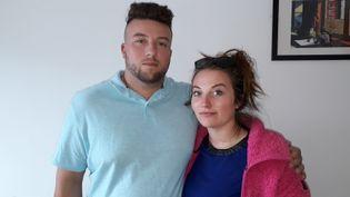 Sabrina Dietsch et Yoan Bombarde ont été accusés à tort en 2012 de maltraitance sur leur fille de trois mois, etont perdu la garde de leur enfant pendanttrois ans. (VÉRONIQUE PUEYO / RADIO FRANCE)