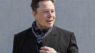 Le PDG de Telsla Elon Musk, le 13 août 2021, àBrandenburg, en Allemagne. (PATRICK PLEUL / DPA-ZENTRALBILD / AFP)