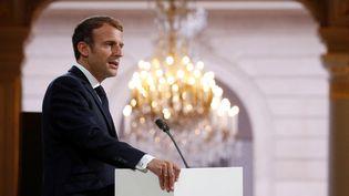 Emmanuel Macron, à l'Elysée, le 20 septembre 2021. (GONZALO FUENTES / POOL / AFP)