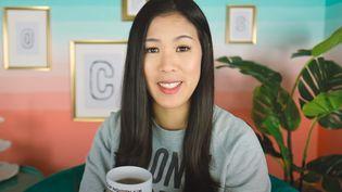 Dans ces vidéos, publiées sur sa chaîne Youtube, Mai Thi Nguyen-Kim explique si les bienfaits du yoga peuvent être expliqués scientifiquement, ou encore si boire un peu d'alcool est dangereux pour la santé. (CAPTURE ECRAN / CHAÎNE YOUTUBE MAILAB)