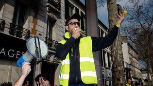 """L'une des figures des """"gilets jaunes"""", Jérôme Rodrigues, lors d'une manifestation à Paris, le 23 mars 2019. (EDOUARD RICHARD / HANS LUCAS / AFP)"""