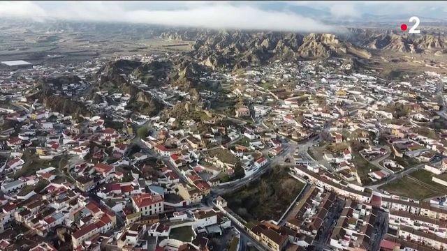 Espagne : en route vers Gualix, la plus grande ville troglodyte d'Europe