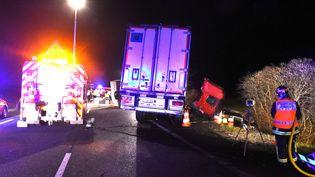 Une collision entre un minibus et un poids lourd a fait douze morts dans l'Allier, le 25 mars 2016. (MAXPPP)