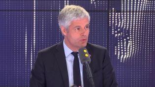 """Laurent Wauquiez, président du parti Les Républicains, invité du """"8h30 Fauvelle-Dély"""", vendredi 17 mai 2019. (FRANCEINFO / RADIOFRANCE)"""
