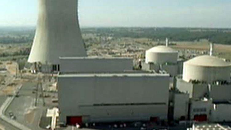 Une hausse des tarifs de l'électricité pour financer les investissements d'EDF dans le nucléaire ? (France 2)