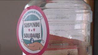 """La rubrique """"une idée pour la France"""" du 13 Heures de France 2, vous emmène à Rennes où un infirmier a eu une idée permettant aux sans-abris d'accéder aux soins d'ostéopathie. (CAPTURE D'ÉCRAN FRANCE 2)"""