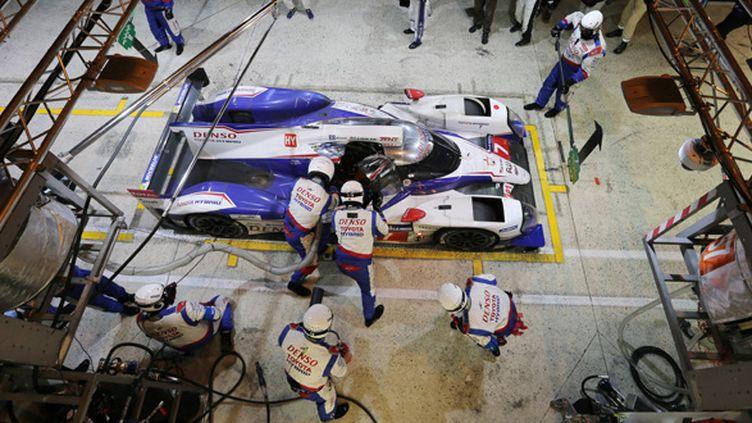 La Toyota N.7 passe à son stand (TOYOTA RACING / TOYOTA RACING)